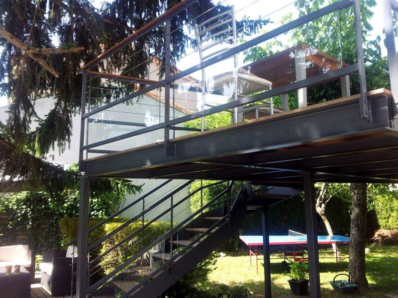 terrasse sur lev e thomas. Black Bedroom Furniture Sets. Home Design Ideas