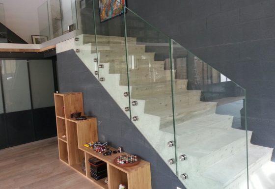 Escalier avec Rambarde de Sécurité en Verre